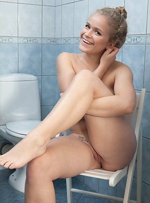 Free Teen Toilet Porn Pictures
